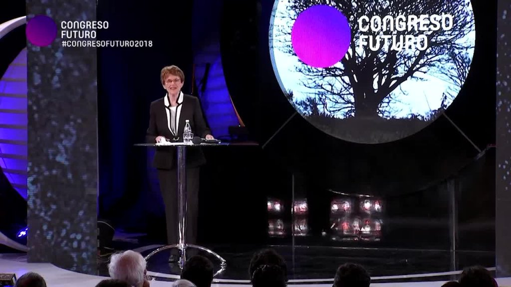 Riane Eisler: Encarcelar o liberar la conciencia